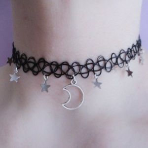 ⭐️ Moon and star tatoo choker necklace 🌙